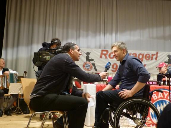 Kim im Interview mit dem Bayrischen Rundfunk