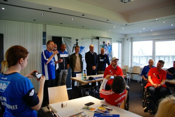 Meet und Greet Rollwagerl und Fanclub Hoffenheim mit Stargästen wie Raimond Aumann Christian Nerlinger